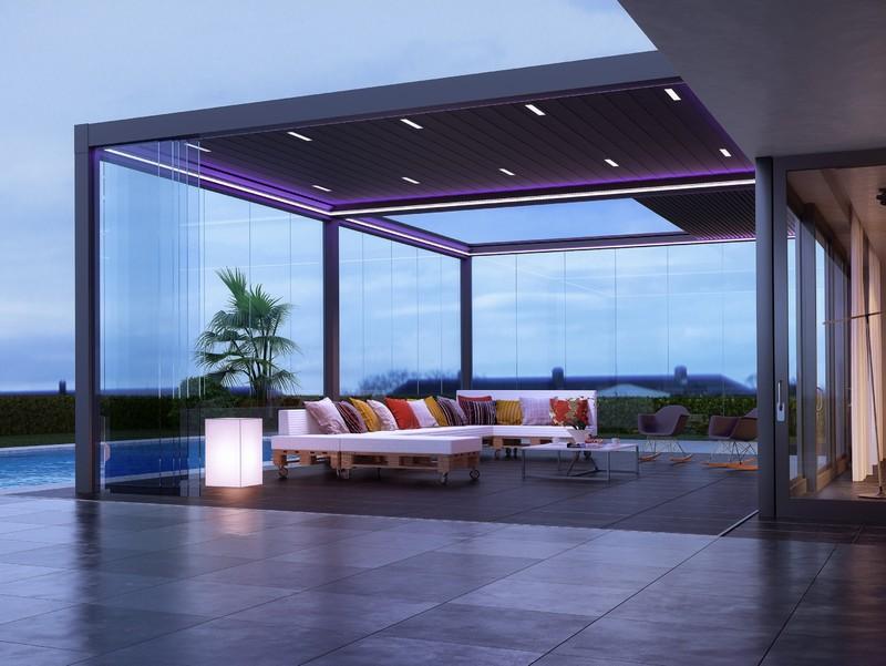 Bioclimatica con illuminazione led personalizzata in forme e colori