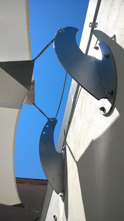 Staffa personalizzata in acciaio per ancoraggio vela