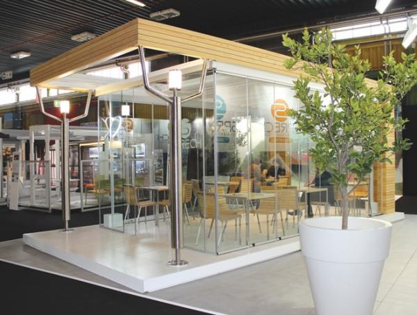 Tenda bioclimatica per copertura di spazio esterno