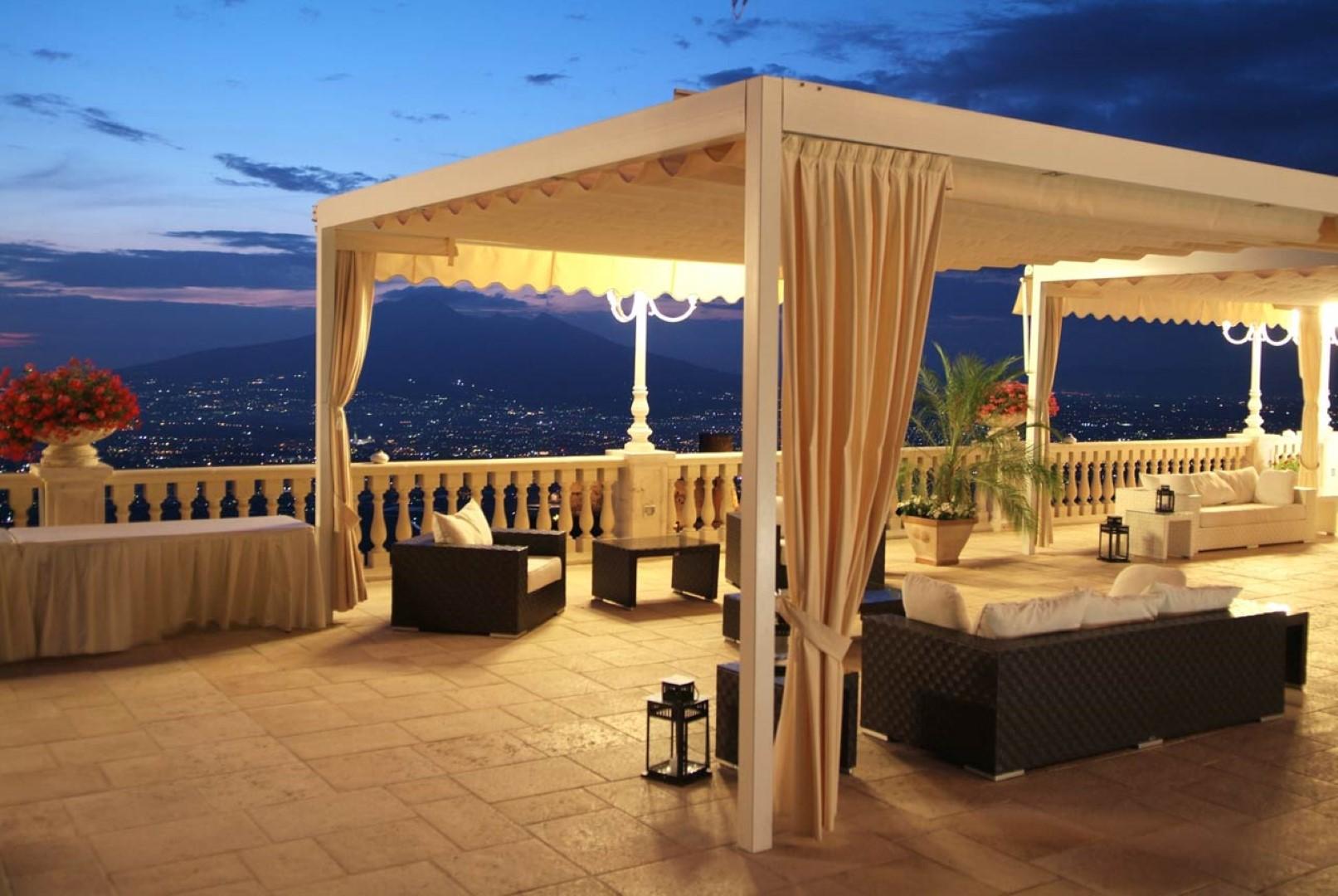 Resort PARADISO - Lettere